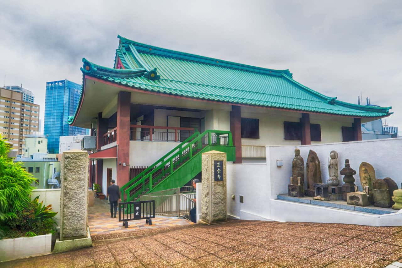 三宝寺外観